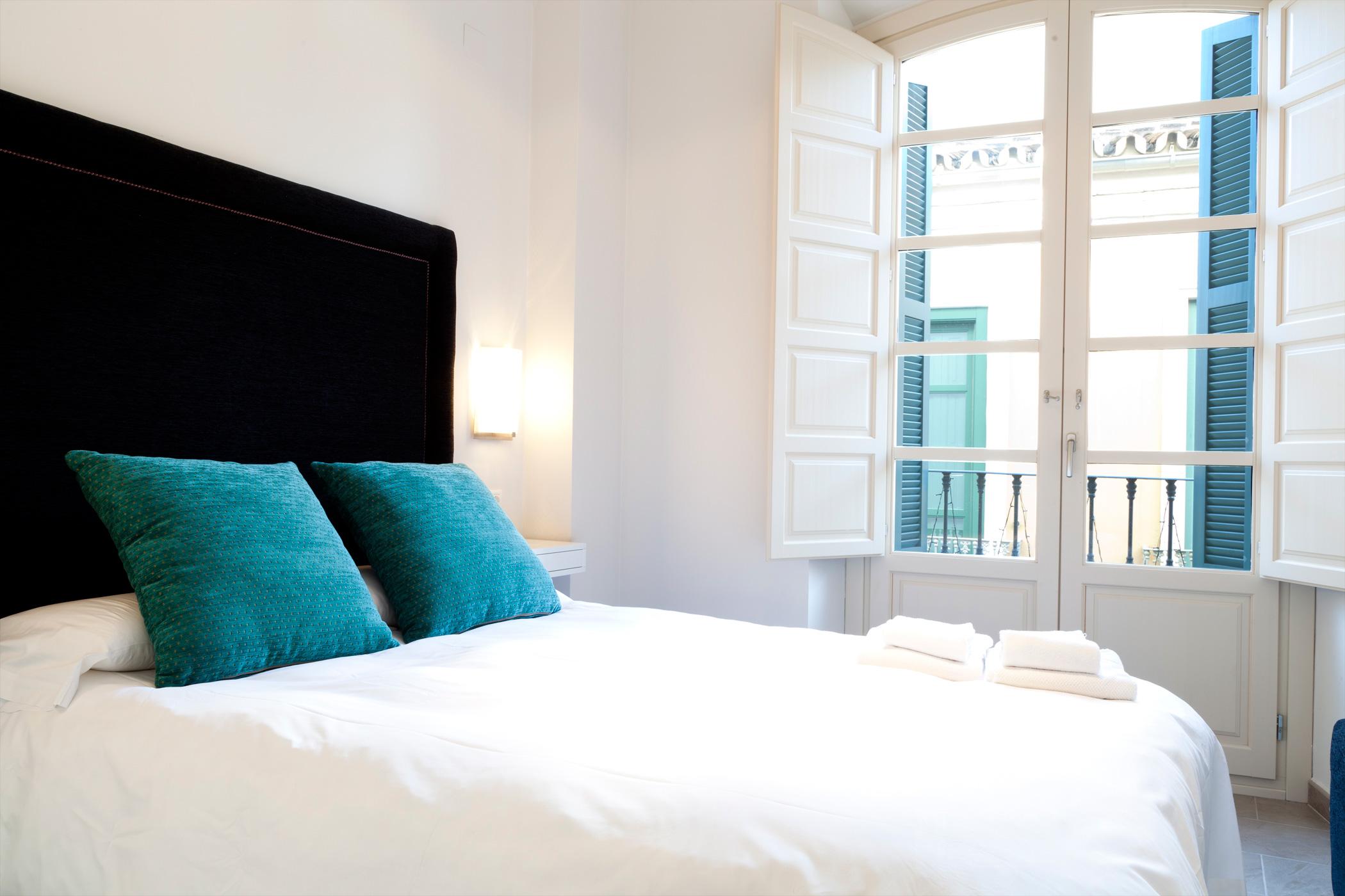 apartamentos-pinar-malaga-centro-bedroom