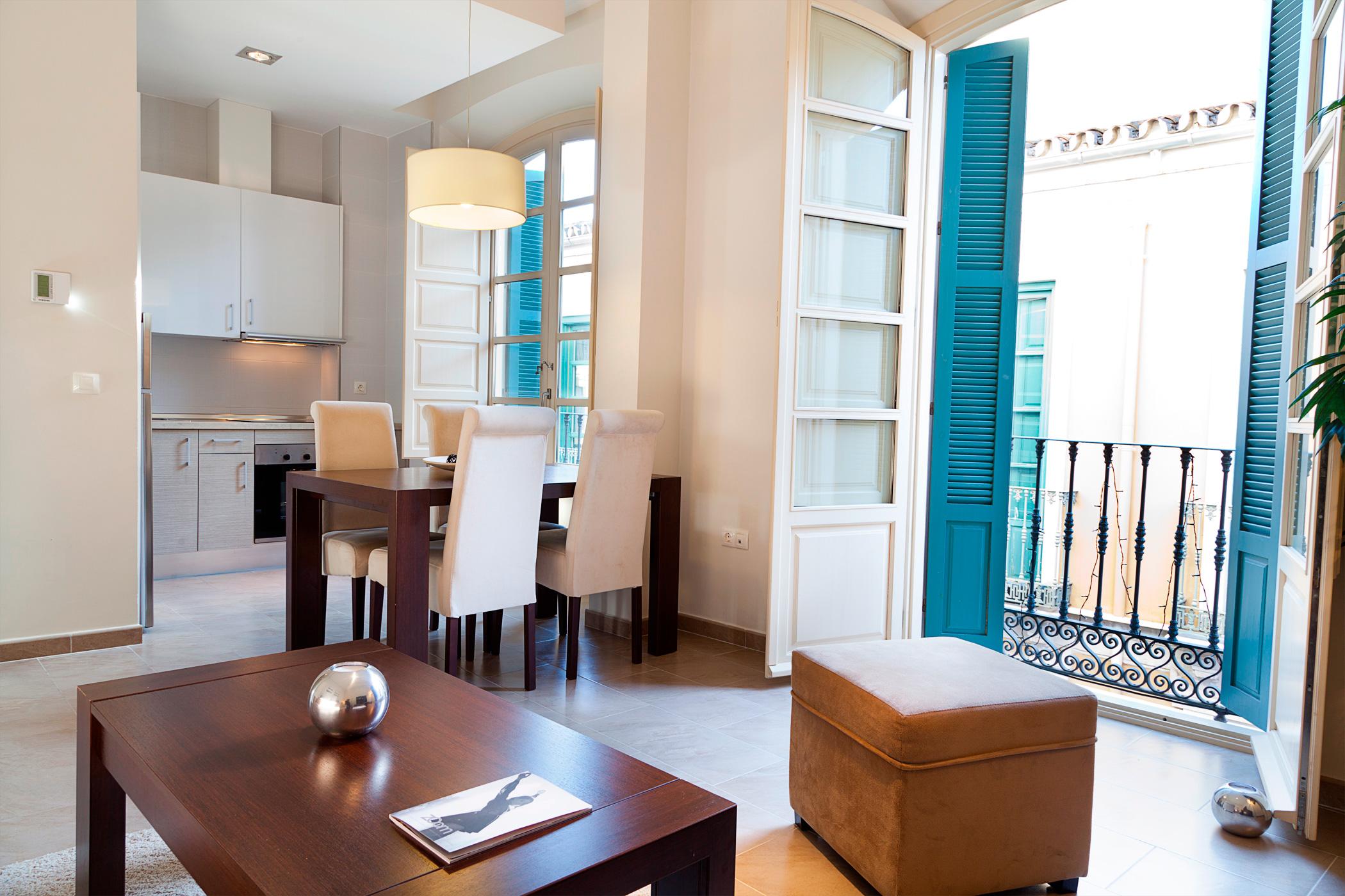 Home apartamentos pinar malaga centro pinar hospitality - Apartamento vacacional malaga ...