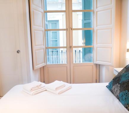 bedroom-pinar-hospitality-apartments-malaga-centro4